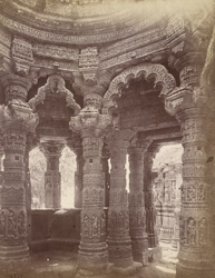 Interior of the Gudha Mandapa, Surya Temple, Modhera 10031739